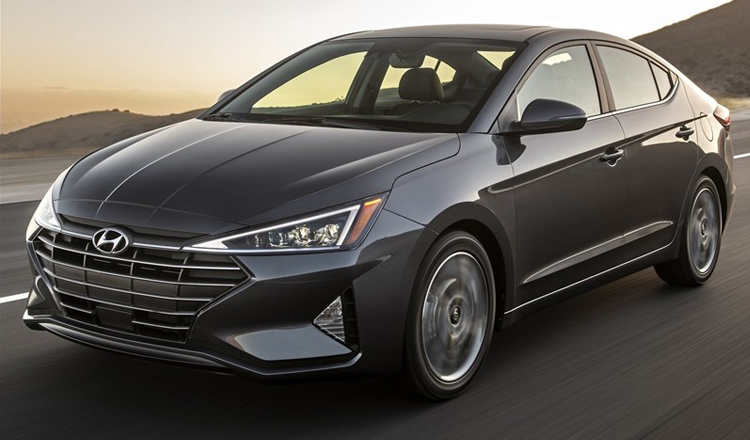 Hyundai Elantra 2019 AT